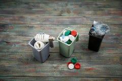 Концепция экологичности, много recyclable объекты в контейнерах Стоковая Фотография