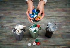Концепция экологичности, много recyclable объекты в контейнерах Стоковое Изображение RF