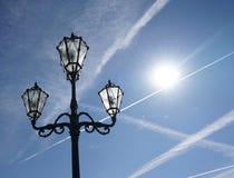 Концепция электрической энергии против солнечной энергии Стоковые Фотографии RF