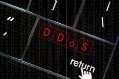 Концепция DDoS с фокусом на возвращенной кнопке overlayed с Стоковое Изображение