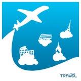 Концепция v приключения самолета чемодана каникул праздника перемещения Стоковое Фото