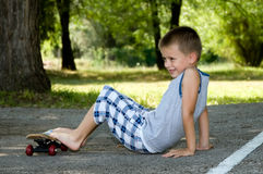 конькобежец мальчика милый Стоковые Изображения
