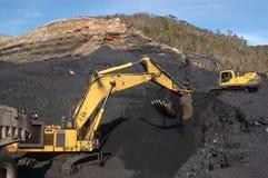 копать экскаватором угля Стоковое Изображение RF