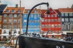 КОПЕНГАГЕН, ДАНИЯ - 15-ОЕ АВГУСТА 2016: Шлюпки в доках Nyhavn Стоковая Фотография RF