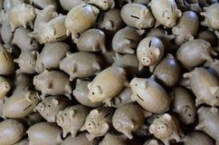 Копилка свиньи глины стоковые изображения rf