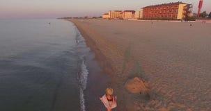 корабли горизонта рассвета груза пляжа видеоматериал