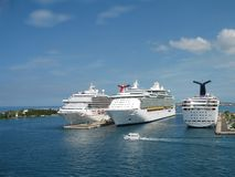 корабли порта круиза