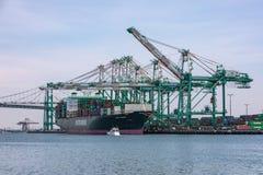 Корабль грузового контейнера тарифов и торговой войны Стоковое фото RF