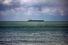 Корабль далеко вне к морю Стоковое Фото