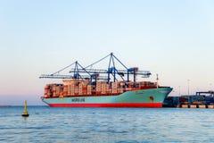 Корабль контейнера в гаван Гданьск, Польша Стоковое Изображение RF