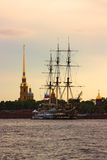 Корабль на Sankt Petersurg Стоковые Изображения RF