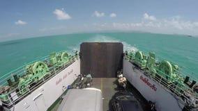 Корабль парома спасательной шлюпки захода солнца автомобилей Timelapse Таиланда парома корабля, палуба, оборудование, доставка Li сток-видео