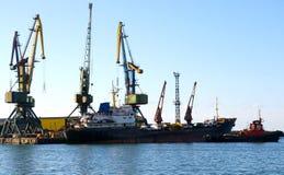 корабль порта автомобиля стоковые фотографии rf