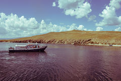 Корабль причаливает берегу Стоковое фото RF