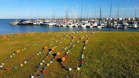 Корабль Рыболовные сети, узлы и веревочки в лучах стоковое изображение