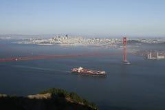 корабль строба контейнера золотистый Стоковое Изображение