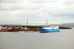 Корабль топливозаправщика ДОЛГОТЫ в порте Cristobal, Панамы стоковые фотографии rf