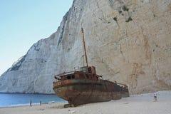 Кораблекрушение в пляже navagio, Греции Стоковое Изображение