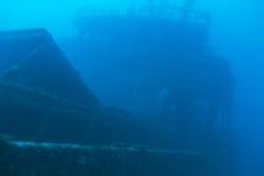 Кораблекрушение в сини океана, Мальдивах Стоковые Изображения