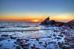 Кораблекрушение на зоре Стоковая Фотография
