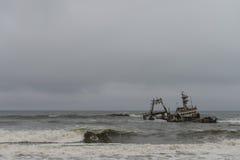 Кораблекрушение на побережье Skelleton (Намибия) Стоковые Изображения