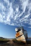 кораблекрушение покинутая шлюпка деревянная Стоковые Изображения