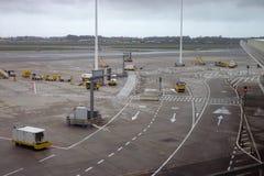 Корабли авиапорта земные готовые для самолета Стоковые Фотографии RF