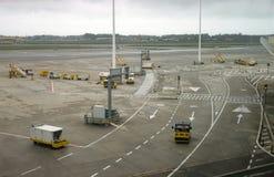 Корабли авиапорта земные готовые для самолета Стоковое Изображение RF