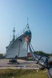 Корабль войны на земле Стоковые Изображения