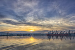 Корабль и краны в порте Стоковые Фотографии RF