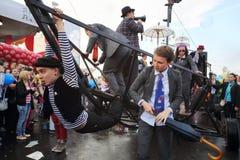 Корабль и матросы на масленице на фестивале Стоковые Изображения RF