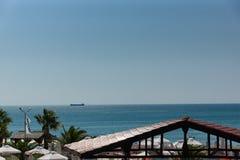 Корабль на горизонте Стоковая Фотография RF