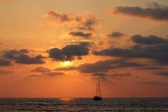 Корабль на заходе солнца Стоковая Фотография RF