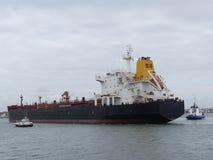 Корабль нефтяного танкера в гавани Стоковое фото RF
