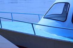 Корабль окружен железными перилами Стоковое Изображение