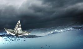 Корабль доллара в воде Стоковые Изображения RF