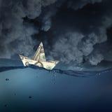 Корабль доллара в воде Стоковая Фотография