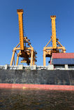 Корабль перевозки груза контейнера для логистической предпосылки экспорта импорта Стоковые Фотографии RF
