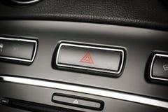 Корабль, светосигнализаторы опасности автомобиля предупреждающие застегивает с видимое красное tri Стоковые Фото