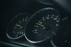 корабль спидометра скорости выставок витков двигателя автомобиля Стоковые Фотографии RF