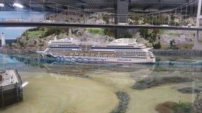 Корабль AIDA в Miniaturwunderland Гамбурге стоковые фотографии rf