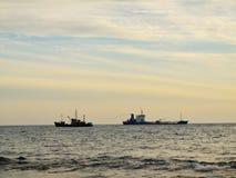 2 корабля врозь в море Стоковая Фотография
