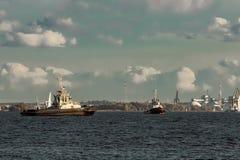 2 корабля гужа Стоковые Фотографии RF