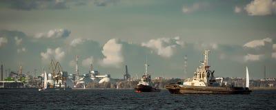 2 корабля гужа Стоковое фото RF