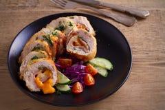 кордон цыпленка Блё Обручи куриной грудки с ветчиной и сыром стоковое фото