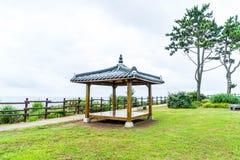 Кореец Pavillian на Jeju-делает парк утеса Oedolgae в острове Jeju Стоковое фото RF