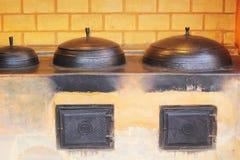 Корейская керамическая гончарня традиционная для варить. стоковые изображения