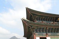 Корейская традиционная крыша неба архитектуры Стоковая Фотография