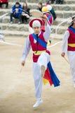 Корейские фольклорные танцоры и музыканты Стоковое фото RF