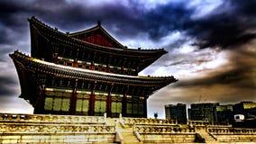 Корейский дворец в зиме стоковые фото